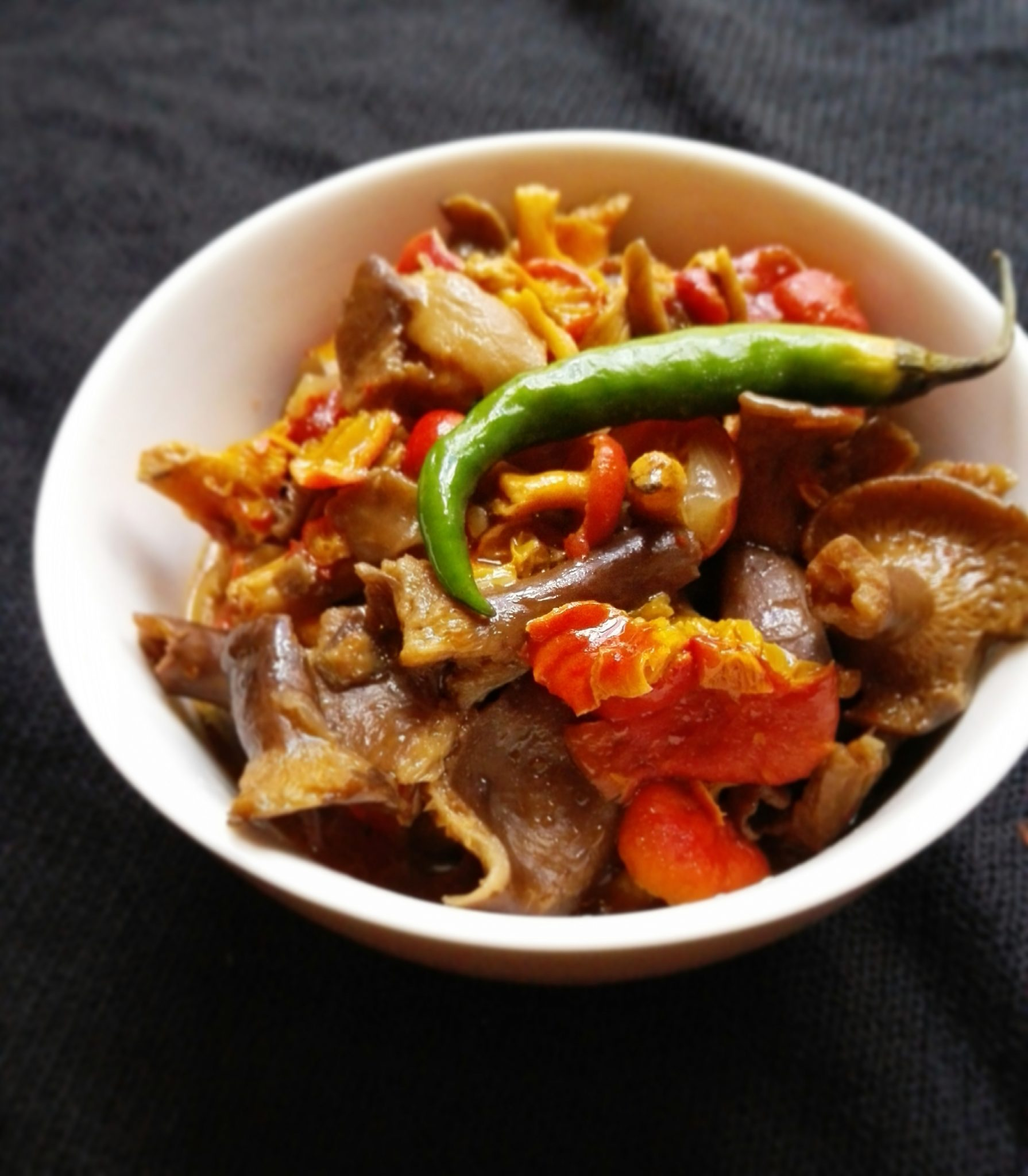ZAMBIAN FOOD: RED BROWN MUSHROOM RECIPE