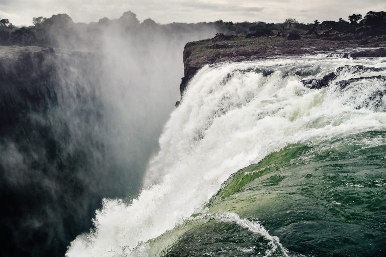 Swimming at the Victoria Falls Devils Pool: Is it safe?